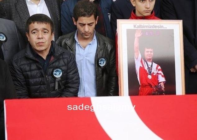 حلیل موتلو وزنه بردار افسانه ای در مراسم خاکسپاری نعیم سلیمان اوغلو
